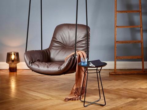 freifrau brengt met de leya swing de ultieme schommelstoel voor thuis de bekende leya fauteuil is voorzien van ogen kan zo eenvoudig opgehangen worden